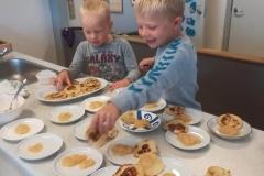 Freitags bieten wir Frühstück für die ganze Familie an